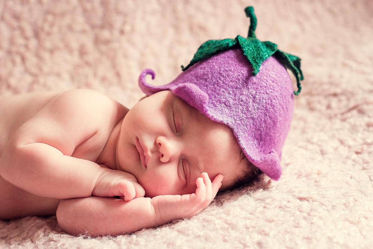 赤ちゃんが寝てる画像